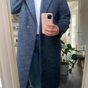 Mega fin og lækker jakke, brugt i en kort periode men har ingen tegn på brug 🤍