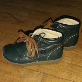 Super lækre bløde skind støvler, fra Falcotto. Støvlen er uden foer.  Perfekt til smalle fødder. Fra røg og dyre frit hjem.