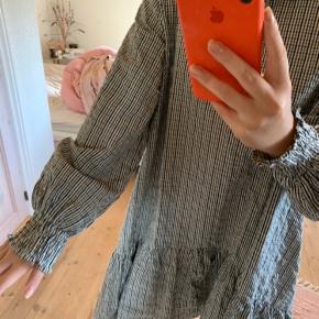 Kjole fra Boii. Aldrig brugt. Np 500 Køber betaler fragt 📦