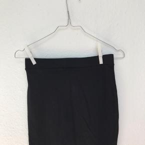 Tætsiddende nederdel