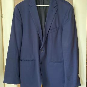 Massimo Dutti Andet jakkesæt