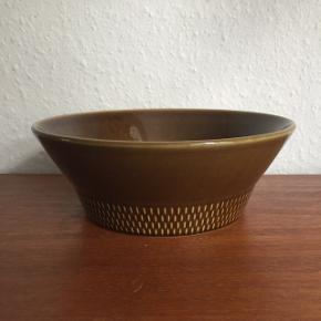 Fin keramik skål, retro look. 21 cm i diameteren, 7,5 cm høj 🍃