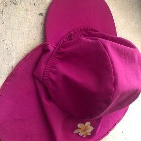 Fin baby uv bade hat kan passe flere str