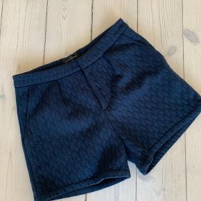 Storm & Marie shorts