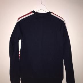 Pier one sweatshirt  Cond 8 Str s   Skriv gerne en besked;)