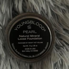 """Sælger denne """"løse"""" Foundation i farven """"perl"""" den dækker ikke, og giver et meget naturligt look. Den er helt fyldt. Og kun lige afprøvet."""