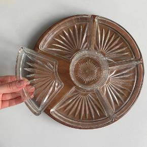 tapas fad med teaktræ bund og glas skåle Ø: 29 cm.