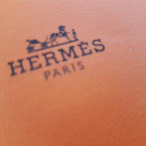 🧡 HERMES / HERMÉS White Hermès set of five Vetiver scented drawer liners.  PARFUMERET HYLDE PAPIR. Brugt 1 stk