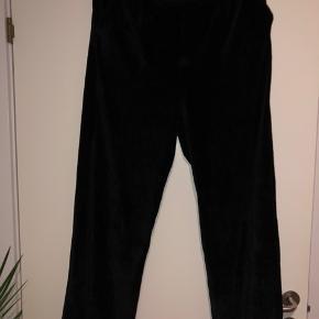 Fede bukser fra Moss Copenhagen i fløjtes, super bløde og lækkert materiale