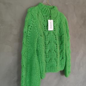 "Lækker grøn GANNI ""Julliard"" strik trøje. Helt ny med tags. Str Medium . Nypris 3200 kr."