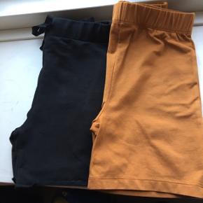 2 par Gots organic shorts fra det lille bæredygtige danske mærke wawa - brugt ganske lidt - nypris 260+225 =485 Sorte og fineste brune farve.