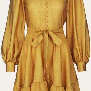 Smuk kjole fra Stine Goya. Sælges da den er for stor. Bytter evt til en str XS ✨