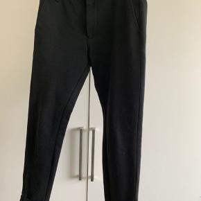 Rigtig fin buks, se lille mærke på det ene ben
