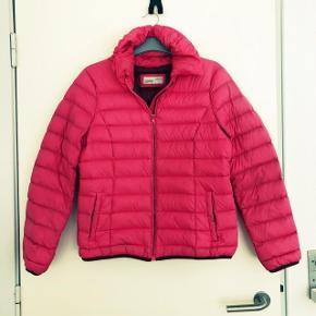 Esprit pink dunjakke med lille hætte str 40. God vinterjakke. Matr 90% dun se foto nr 3