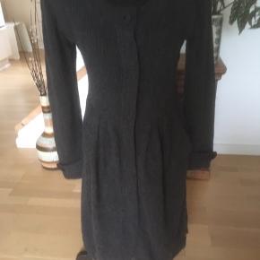 Strikket kjole med lambswool
