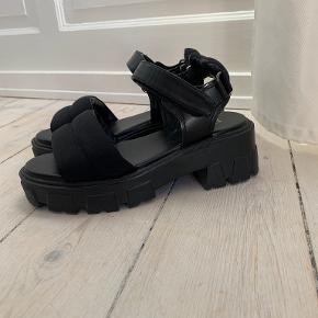 Raid heels