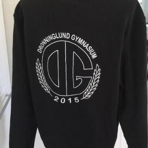 Clique sweater