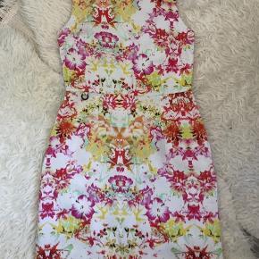 Henriette Steffensen kjole