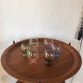 Skønne gamle farvede likør/cognac glas i meget fin stand uden skår   Sælges samlet mp 450kr   Randers nv ofte Århus Ålborg København mm Til salg på flere sider