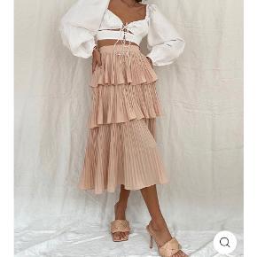 M-kae nederdel