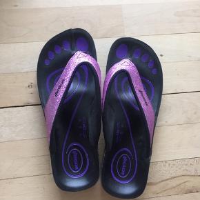 Aerosoft sandaler  Som nye Sælges for min mor, røglugt kan forekomme