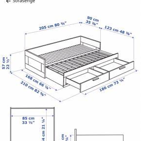 IKEA (hvid)  seng med 2 skuffer og ekstra udtræks seng som vist på nr 2 billede.