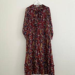 Fin kjole fra & Other Stories i rigtig god stand.