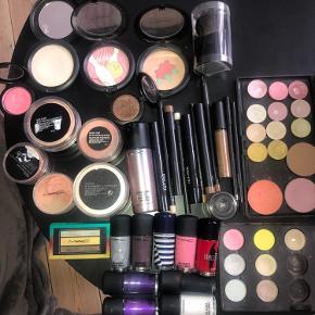 MAC makeup - sælges helst samlet. Noget brugt, noget nyt. Byd :)