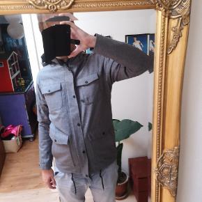 353046b5bb1 Ny kilmanock jakke str s. Købt på ophørsauktion. Fejler intet. Nypris 1500.