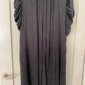 Rützou anden kjole & nederdel