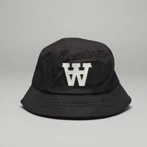 WoodWood logo bucket hat No marks of use, very slightly sun bleached (see pictures) In good shape