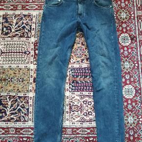 Jeans str. 32/32 brugt få gange