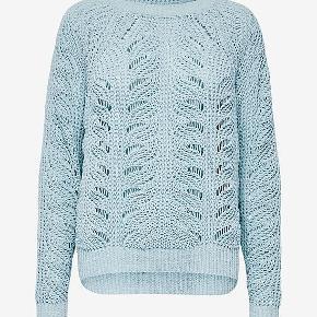 Super fin strikket sweater. Desværre en smule for lille