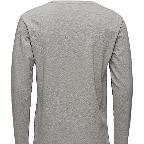Wood Wood Long sleve tshirt, aldrig brugt. Købt februar 2020. Nypris 699 kr