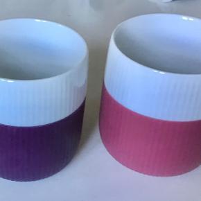 2 royal krus sælges samlet   Lilla og rødviolet. Som nye.
