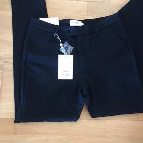 Suit pants como navy str 29, købspris 800,-
