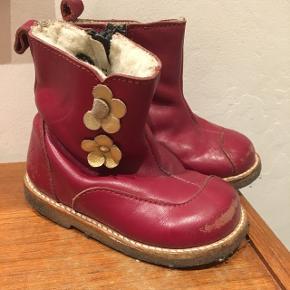 Gode fine kvalitetsstøvler. bordeauxrød str. 20.