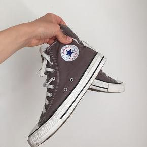 Converse Classic  Very good condition (used approx 10 times)