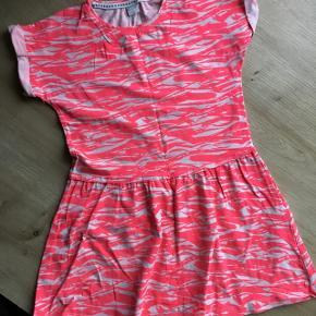 Fed kjole fra NAME IT