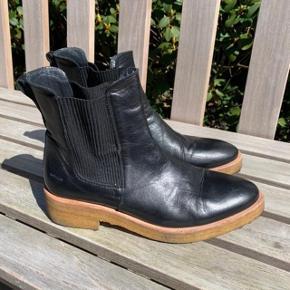 Lækre, meget velholdte Angulus støvler, brugt sparsomt. Spørg endelig :)