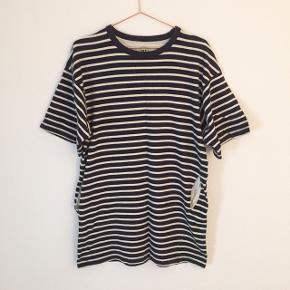 Oversize t-shirt kjole , men er til den korte side af en kjole