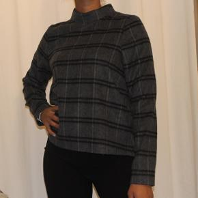 Uldsweater fra Designers Remix Nypris: 1400,-   cond: 8.5/10
