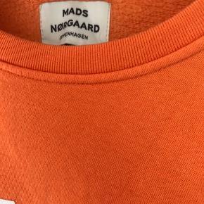 Sælger denne Mads Nørgaard sweater i str. s  Kom gerne med et bud:)