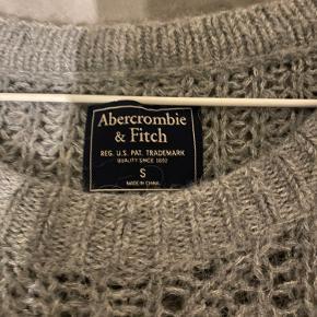 fin strik fra Abercrombie and Fitch brugt ca. 5 gange