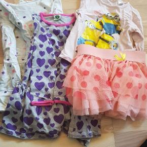 1 hogm kjole, 1 småfolk kjole, 1 hogm bluse og 1 name it nederdel