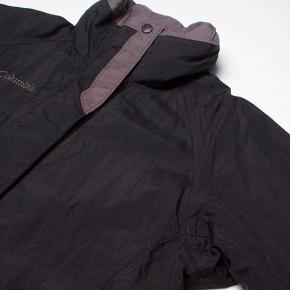 Columbia jakke Str S Stand: næsten som ny 199 kr.  UAS17