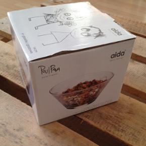 Super fine glasskåle fra Paul Pava pure friends fra aida.   Aldrig brugt & har altid stået i kassen.  I kassen er der 4 skåle på 14cm.