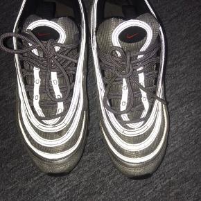 Sælger min Nike air max 97 Str 38,5 Brugt meget, men fin stand Er åben for bud