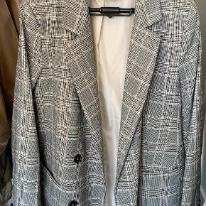 Oversized grå blazer fra H&M
