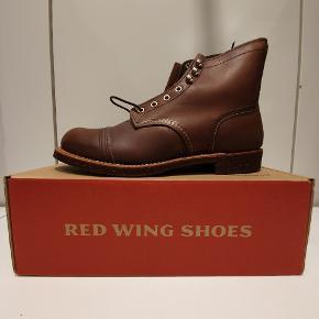 """Red Wing 8111 """"gamle sål"""" US10 euro 43  Ikonisk støvle fra Amerikanske Red Wing, håndlavede støvler i høj kvalitet.  Prisen er fast"""